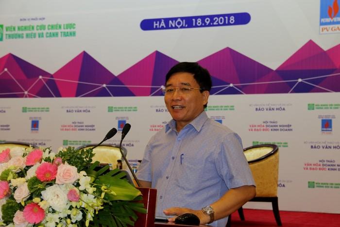 PGS.TS Đỗ Minh Cương, Phó Viện trưởng Viện Văn hóa Doanh nghiệp phát biểu tại hội nghị