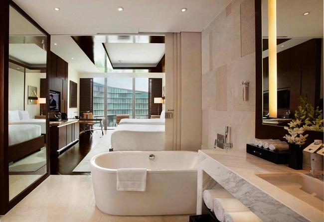 Nhà vệ sinh JW Marriott Hanoi sang trọng được ốp đá cẩm thạch
