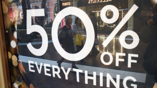 Hàng trăm khuyến mãi khủng lần lượt xuất hiện trong dịp mua sắm Black Friday