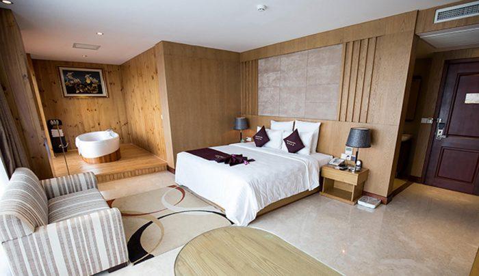 Phòng khách sạn nên được thiết kế để đón nhiều ánh sáng tự nhiên