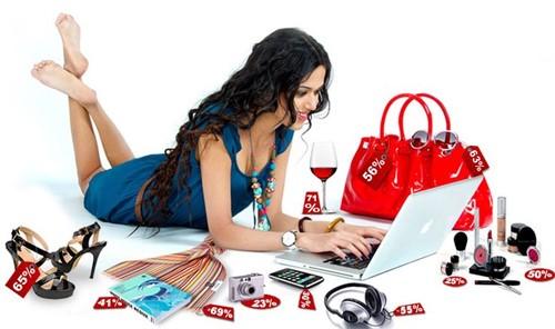 Với mua sắm online, người mua được thỏa sức lựa chọn những mặt hàng mình yêu thích.