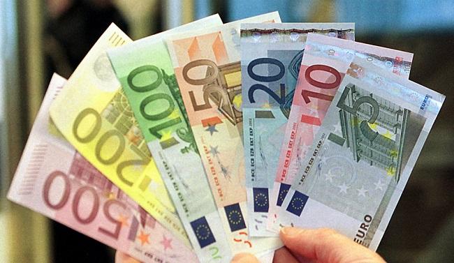 Nên chuẩn bị tiền mệnh giá thấp khi đi mua sắm ở châu Âu