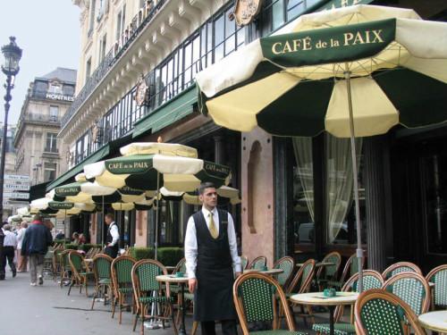 Mô hình cà phê truyền thống tại Paris