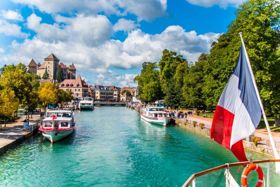 """Không lấy làm lạ khi Annecy được mệnh danh là """"Venice của nước Pháp"""""""
