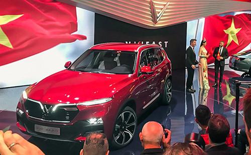 Vinfast trong ngày ra mắt tại Paris Motor Show 2018