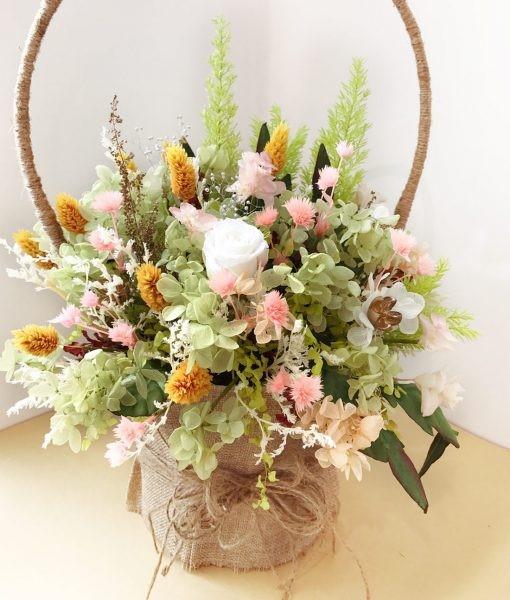 Hoa khô là món quà mang giá trị vật chất vừa phải nhưng đem lại giá trị tinh thần cao