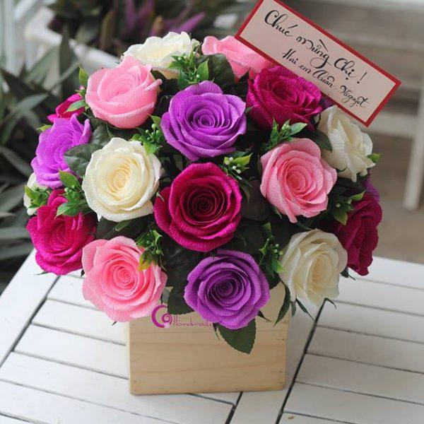 Những bó hoa giấy thay vì hoa tươi tặng thầy cô