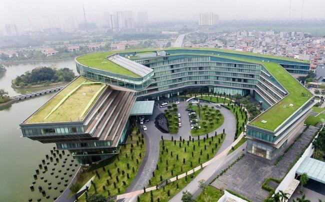 JW Marriott Hanoi được xây dựng uốn cong như một con rồng đang ngủ