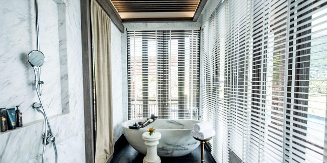 Đến thiết kế nhà tắm cũng sang trọng và đẳng cấp chẳng kém cạnh