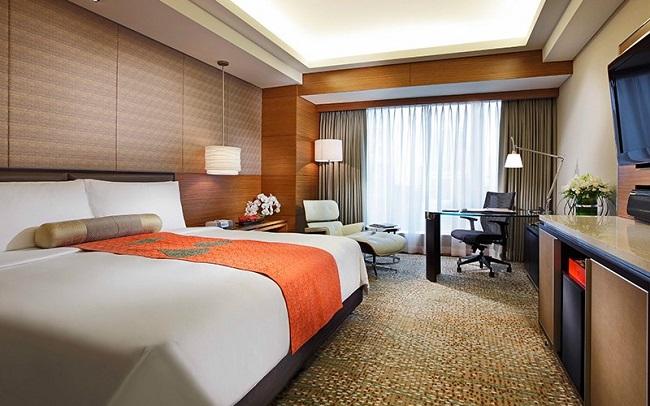 Phòng khách sạn sang trọng với view toàn thành phố đẹp lung linh