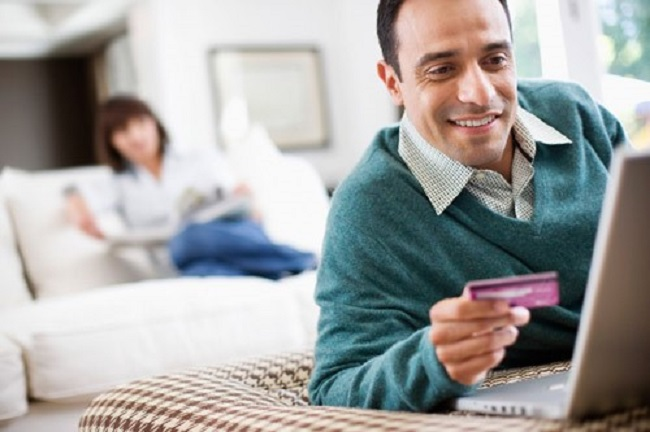 Ai bảo nam giới không hứng thú với mua hàng online dịp Black Friday?