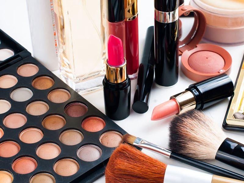 Kinh doanh online các sản phẩm làm đẹp cũng đang là một trong những thị trường sôi động trên các sàn TMĐT hiện nay