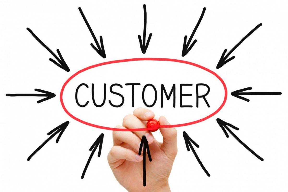 Nhà kinh doanh online dở khóc dở cười với yêu cầu của khách hàng