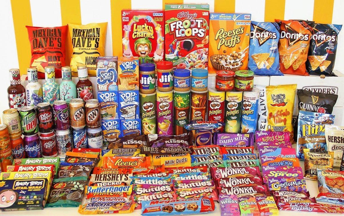 Kinh doanh bánh kẹo nhập khẩu hiệu quả dịp Tết nhờ quản lý bán hàng đa kênh