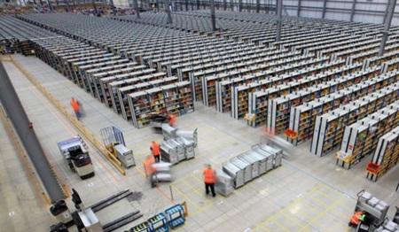 Tiết kiệm lưu trữ trong quản lý kho hàng của Amazon.