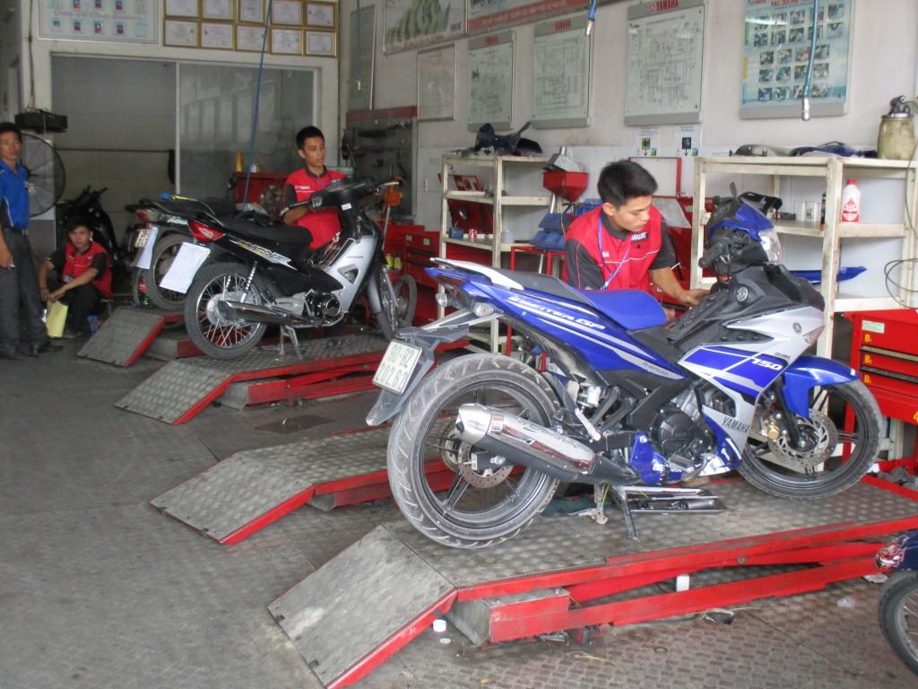 Cửa hàng sửa chữa xe máy